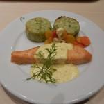 埼玉の外れ、新三郷のIKEAにデスクをスタンディングデスクを買いに行ってきたけど結局飯ばかり食ってきた。